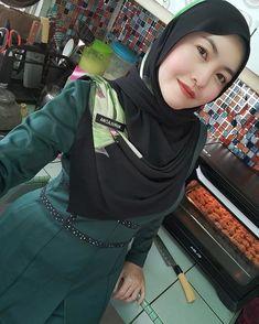 9 Best Cikgu Cantik Dan Bijak Images In 2020 Beautiful Hijab