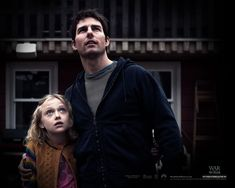 Watch Streaming HD War Of The Worlds, starring Tom Cruise, Dakota Fanning, Tim Robbins, Miranda Otto. As Earth is invaded by alien tripod fighting machines, one family fights for survival. #Adventure #Sci-Fi #Thriller http://play.theatrr.com/play.php?movie=0407304