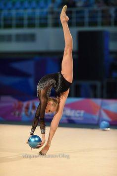 Yana KUDRYASHEVA (RUS) Ball