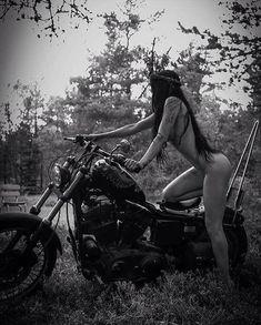 Lady Biker, Biker Girl, Chicks On Bikes, Mädchen In Bikinis, Dirt Bike Girl, Motorbike Girl, Harley Bikes, Trucks And Girls, Scooter Girl