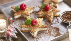 Estrellas con mousse de chocolate blanco Xmas Food, Christmas Desserts, Christmas Treats, Cake Cookies, Cupcake Cakes, Best Dishes, Cookie Desserts, Easy Snacks, Desert Recipes