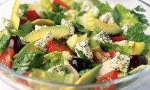 Pui cu salata de avocado