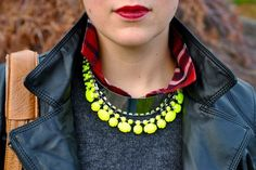 all the night cats: DIY neon necklace