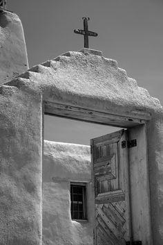 Ansel Adams Old Church México Black And White Landscape, Black And White Pictures, Ansel Adams Photography, Nature Photography, Famous Photographers, Landscape Photographers, Ansel Adams Photos, Old Churches, Black And White Photography