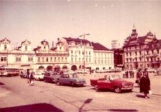 FB: Radek Kohoutek Náměstí 1972. Louvre, Street View, Retro, Building, Travel, Historia, Viajes, Buildings, Destinations