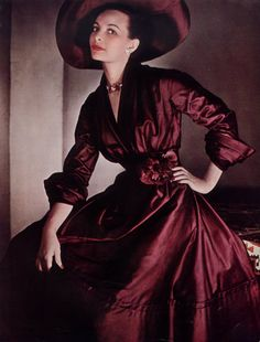 Retro Fashion Christian Dior fashion designer couture vintage fashion late era transitional looks red brown bronze silk dress cocktail day matching hat color photo print ad model magazine long sleeves full skirt new look - Glamour Vintage, Vintage Dior, Vintage Couture, Vintage Mode, Vintage Dresses, Vintage Outfits, Vintage Hats, Christian Dior Couture, Dior Haute Couture