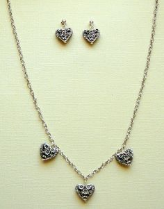 "Sweet Hearts with Heart Chain 18"" - $30"