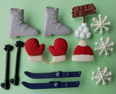 SKIING - Winter Snow Christmas Boots Mittens Novelty Dress It Up Craft Buttons
