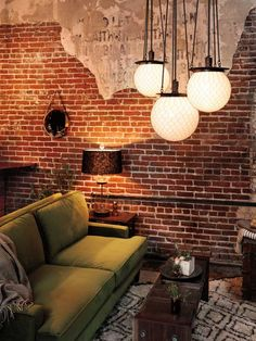 40 lighting ideas for the living room - cool, modern living room lamps - Home Decoration Designer Hotel, Green Sofa, Contemporary Interior Design, Modern Interior, Living Room Lighting, Kitchen Lighting, Exposed Brick, Home And Living, Modern Living