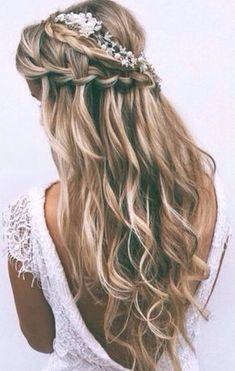 El peinado de novia con trenza perfecto para tu boda #peinadosde15