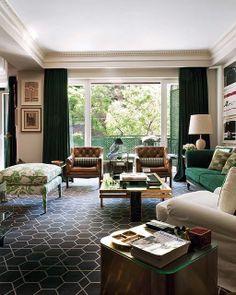 Habitually Chic Blog TUESDAY, MARCH 19, 2013 : Madrid Chic from Nuevo Estila. Emerald Sofa, nice fabrics, gorgeous interior design