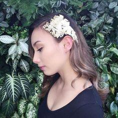 Des feuilles d'or pour sublimer nos cheveux