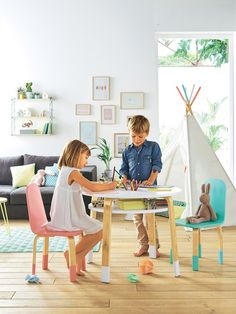 Activity Table - White/wood - 4