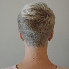 Short White Hair, Funky Short Hair, Super Short Hair, Short Hair Styles For Round Faces, Short Hairstyles For Thick Hair, Haircuts For Fine Hair, Short Hair Cuts For Women, Short Blonde Pixie, Really Short Haircuts