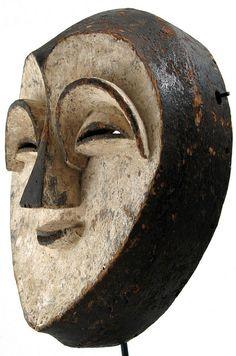 Masque : Afrique Kwele, Tsogo or Vuvi, Gabon by ann porteus, African Masks, African Art, Statues, Art Tribal, Atelier D Art, Art Premier, Art Africain, Art Sculpture, Masks Art