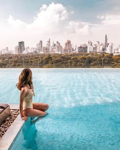 Bangkok views at the beautiful ✨🦋💦 Looking for Thailand's best luxury resorts? 😍 Head to link in bio & get inspired by our guide for some serious wanderlust! Bangkok Hotel, Bangkok Travel, Travel Tours, Nightlife Travel, Thailand Travel, Travel Guide, Travel Destinations, Bangkok Guide, Places In Bangkok