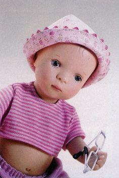 Gisa, from Gotz Dolls, 14 inch vinyl, Baby girl in pink ca 2001