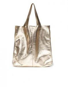 Basic metallic shopper from Zara New Handbags, Fashion Handbags, Dressed To The Nines, Gold Leather, Zara United States, Bag Accessories, Reusable Tote Bags, My Style, Clutches