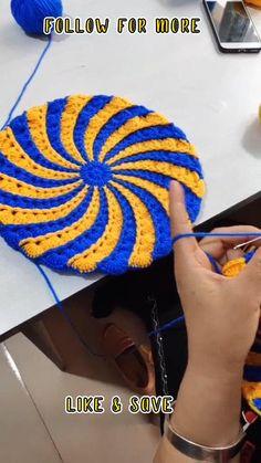 Spiral Crochet Pattern, Quick Crochet Patterns, Easy Crochet, Crochet Coaster Pattern, Crochet Stitches For Beginners, Crochet Flower Tutorial, Crochet Basket Pattern, Crochet Videos, Crochet Basics