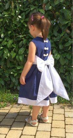♥ Luusmeitlifashion ♥: Party Dress nach kostenlosem Schnitt von Cottage Mama kostenloses Schnittmuster Mädchenkleidhttp://muggelchens-kuschelwear.blogspot.ch/2014/04/party-dress.html Freebook