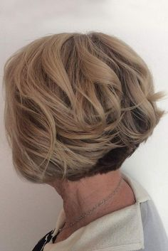 Got curly hair and looking for a stylish and cute bob hairstyle to update your look? Here are the latest images of Chic and Cute Curly Bob Hairstyles that you. Haircut For Older Women, Short Hairstyles For Women, Hairstyles Haircuts, Cool Hairstyles, 2018 Haircuts, Hairstyle Short, Layered Hairstyles, Pixie Haircuts, Hairstyle Ideas