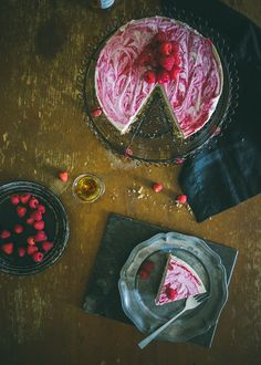 Raw Vegan Cheesecake with Berries (Souvlaki For The Soul)