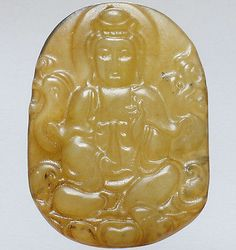Chinese Old Jade Hand Carved Meditation Kwan-yin Jingping in Hand Amulet QM107