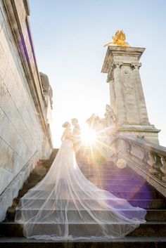 This is probably the only pre wedding photography gallery you need to see to inspire you for your Parisian trip.