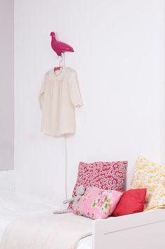 Little Girl Modern Design Room. chez la designer caroline gomez.