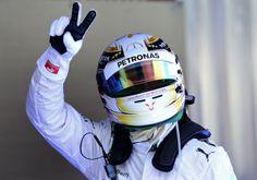 Hamilton si aggiudica il derby Mercedes per la pole position e, dopo il compagno di squadra, mette dietro Ricciardo, uno splendido Bottas, un ritrovato Grosjean e le due deludentissime Ferrari, che confermano le parole poco ottimistiche di Alonso, anche se le libere avevano lasciato sperare in qualcosa di diverso. Le difficoltà di Vettel continuano. È decimo…