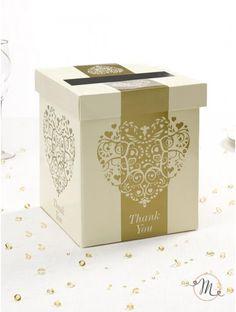 Portabuste cuore vintage Oro. Portabuste cuore vintage oro in cartoncino pesante.  Romantico ed elegante.  Dimensioni 25x21x20 cm. #box #buste #messaggi #matrimonio #weddingday #ricevimento #wedding #sconti #offerte #portamessaggi #biglietti #busteregali