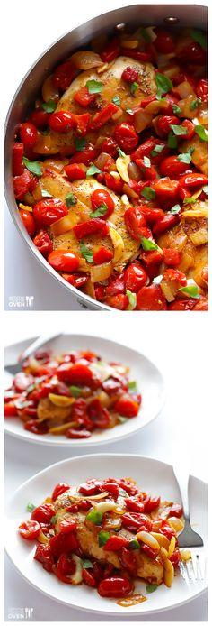 Easy Italian Chicken Skillet -- ready to go in minutes! | gimmesomeoven.com #dinner #recipe