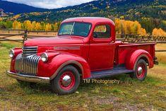 Best Pickup Truck, Vintage Pickup Trucks, Classic Pickup Trucks, Chevy Pickup Trucks, Antique Trucks, Antique Cars, Vintage Red Truck, Old Chevy Pickups, Vintage Auto