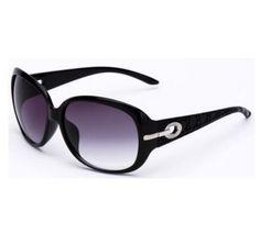 Dámské stylové sluneční brýle černé – SLEVA 50 % + POŠTOVNÉ ZDARMA Na tento produkt se vztahuje nejen zajímavá sleva, ale také poštovné zdarma! Využij této výhodné nabídky a ušetři na poštovném, stejně jako to … Oversized Round Glasses, Oakley Sunglasses, Sunglasses Women, Crystal Decor, Elegant, Designer, Red And Blue, Eyewear, Branding Design