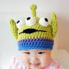 Story Alien hat Monster Hat Crochet Baby Hat Animal Hat Green photo prop Inspired by Toy Story Toy Story Alien hat Monster Hat Crochet Baby Hat Animal Hat Green photo pro. Sombrero A Crochet, Crochet Baby Hats, Crochet Beanie, Crochet For Kids, Crochet Toys, Knitted Hats, Newborn Crochet, Monster Hut, Baby Disney