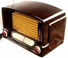 G.E. Deco Bakelite radio gorgeous restoration m-115, 5 tube excellent player!!
