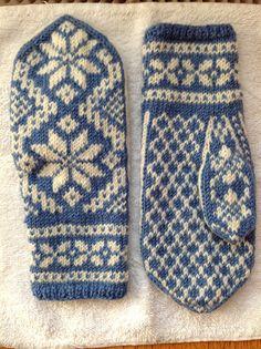 Mittens Pattern, Knit Mittens, Mitten Gloves, Knitting Stitches, Knitting Patterns Free, Free Pattern, Norwegian Knitting, Knitting Projects, Knit Crochet