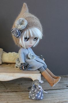 My passion for blythe just got bigger after i find this cutie one :3 ❤️❤️