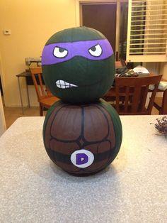 Ninja turtle pumpkin we made! Halloween 2015, Holidays Halloween, Spooky Halloween, Halloween Pumpkins, Halloween Crafts, Happy Halloween, Halloween Decorations, Halloween Party, Ninja Turtle Pumpkin