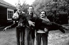 Олег Янковский в перерывах между съемками фильма «Храни меня мой талисман»  1986 год.Абдулов, Янковский и Адабашьян держат Романа Балаяна.