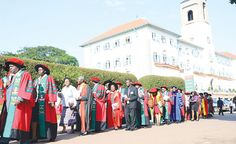 #Uganda - #MAKERERE COULD LOSE STAFF  VC    By Davidson Ndyabahika - 7 Dec 2016 Prof. John Ddumba Ssentamu the Vice Chancellor Makerere University has said that the university risks losing staff to other institutions if the current stand-off is not resolved. Speaking to URN in an interview Prof. Ssentamu prayed that members of staff do not get pushed to look elsewhere for employment as the university remains closed. President Yoweri Museveni closed Makerere University on November 1st after…