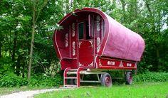 Slapen in een pipowagen, raket of vogelhuis = logeren bij Buitenhotel De Vreemde Vogel.