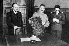Stalin i Mołotow otrzymują od delegacji z Warszawy symboliczny dar - Herb Polski z brązu. 15 listopada 1944r. 5 lipca 1945r. Stany Zjednoczone uznały Tymczasowy Rząd Jedności Narodowej, cofając uznanie polskiemu rządowi na uchodźstwie. Następnego dnia to samo uczynił rząd Wielkiej Brytanii.