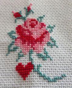 pretty-rose-cross-stitch