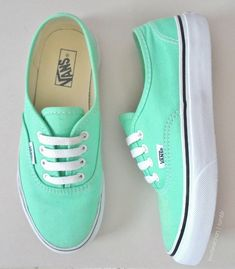 http://www.newtrendclothing.com/category/vans/ http://www.popularclothingstyles.com/category/vans/ Oooooo