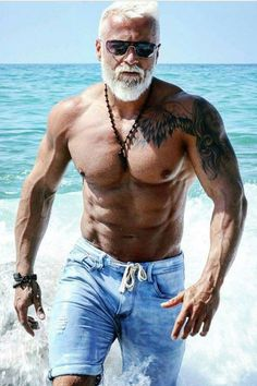 Body Building Workouts - Health In Men Fit over 60 – Bodybuilding muscle workout using different workout techniques like u - Fitness Man, Musa Fitness, Fitness Goals, Health Fitness, Mens Fitness Model, Male Fitness Models, Men Health, Health Club, Fitness Life