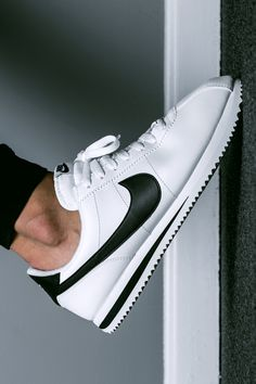 SPORTSWEAR ™®: FOOTWEAR: NIKE CORTEZ BASIC LEATHER.