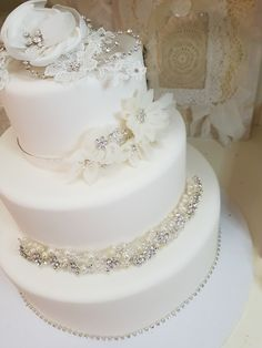 A little Bling Decoration for your Wedding Cake? Unique Weddings, Lace Weddings, Lilies, Wedding Cakes, Lily, Cake Wedding, Lace Wedding Dress, Wedding Pies
