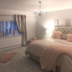 Teen Girl Bedrooms - Eye Catching and breathtaking range of decorating inspirations. Note - placed under diy teen girl room spaces tag , example note inspired on 20190212 Teen Bedroom Designs, Bedroom Decor For Teen Girls, Cute Bedroom Ideas, Teen Room Decor, Home Decor Bedroom, Girl Bedrooms, Diy Bedroom, Bedroom Inspo, Design Bedroom