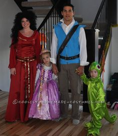 Here's my 3 month old daughter's Rapunzel costume together with her dad. She wanted to be Rapunzel this year, for her first halloween! Repunzel Costume, Rapunzel Halloween Costume, Tangled Costume, Halloween Costume Contest, Halloween Dress, Halloween Fun, Disney Family Costumes, Family Halloween Costumes, Cool Costumes